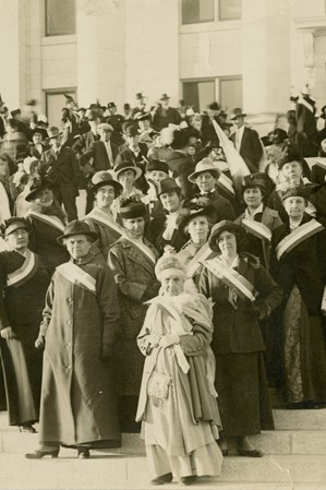 1915105_ntl-suffrage-envoy-visits-ut-capitol_national-womans-party_web2000