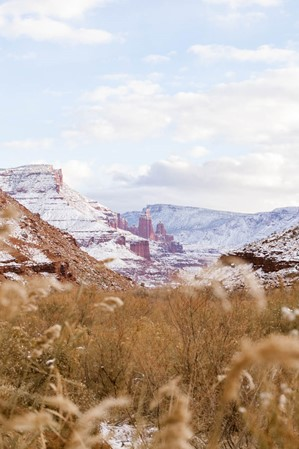 web2000_rootsrated_dixie_park_emily-sierra-winter-utah-castle-valley