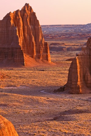 Temples-of-the-Sun-and-Moon_Cathedral-Valley_Capitol-Reef_Till-Tom